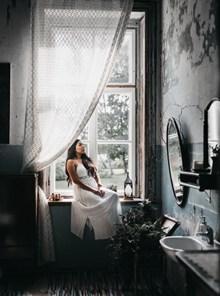 孤独寂寞少妇图片素材