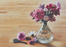 花瓶菊花插花高清图