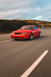 红色豪华汽车图片素材