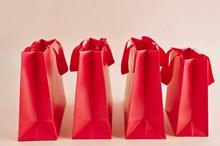 红色购物纸袋图片