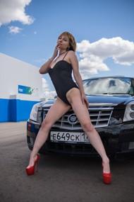 性感大长腿美女优优人体图片下载