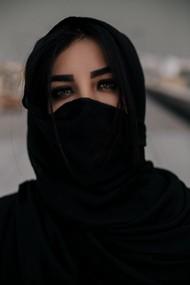 眼神深邃迷人美女图片