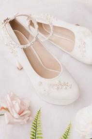 白色高跟婚鞋精美圖片