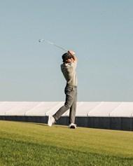 绿色高尔夫球场打球图片大全