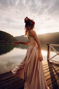 山水美女风景精美图片