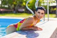 欧美泳池少妇高清图片
