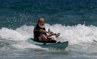 海面冲浪图片大全