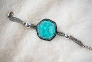 蓝色宝石手链图片