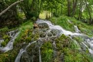 平缓瀑布流水精美图片
