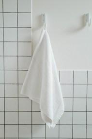 洗脸巾挂墙壁图片