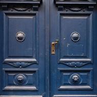 蓝木门带金色门把手图片大全