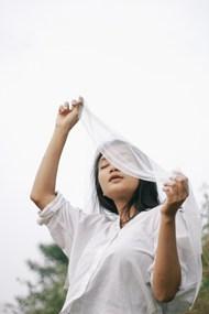亚洲白衬衫美女摄影图片