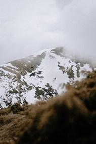 积雪覆盖下的山脉精美图片