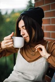 美女喝咖啡的图片大全