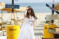 微胖白色连衣裙美女图片大全