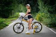 单车运动装性感美女图片大全