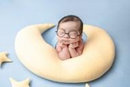 新生儿宝宝满月艺术照图片下载
