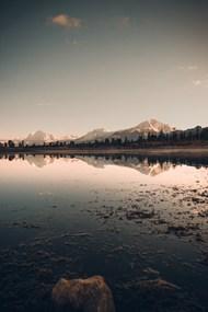 冰雪融化山水风景图片下载
