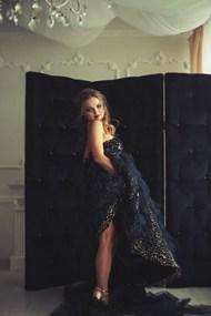 棚拍黑色婚纱美女高清图片