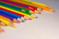 多彩铅笔背景图片下载