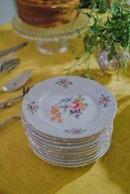 圆形花纹餐盘图片素材