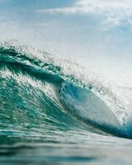 翻滚的海浪高清图片