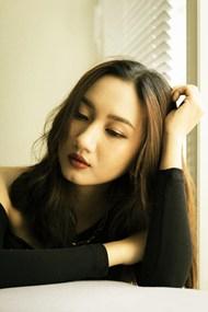 亚洲侧颜熟女少妇图片素材