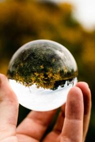 透过玻璃球看风景图片大全