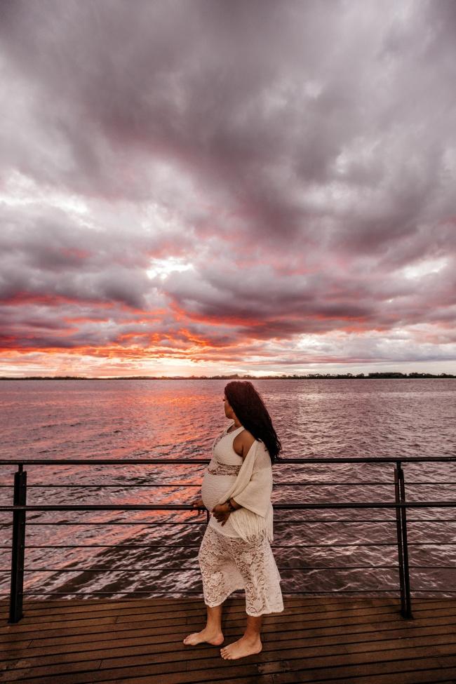 海边唯美孕妇照图片
