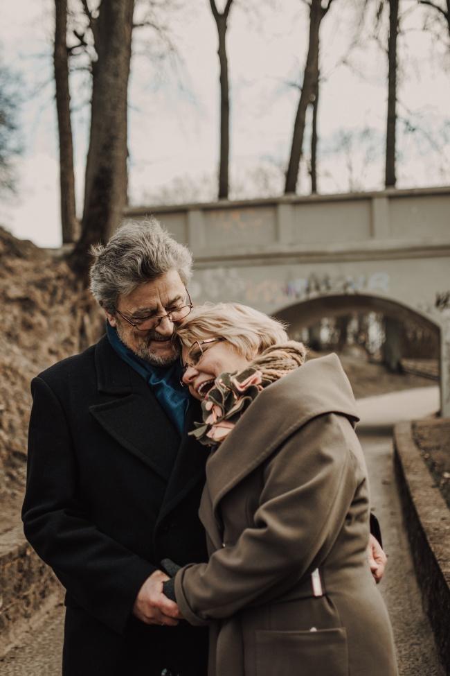 相依相伴的老夫妻精美图片