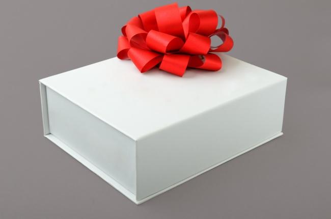 白色礼盒包装设计图片素材