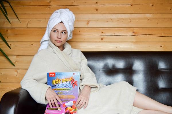 浴袍美女写真图片