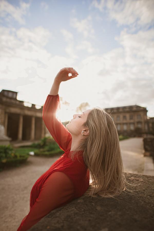 欧美白皙美女高清图