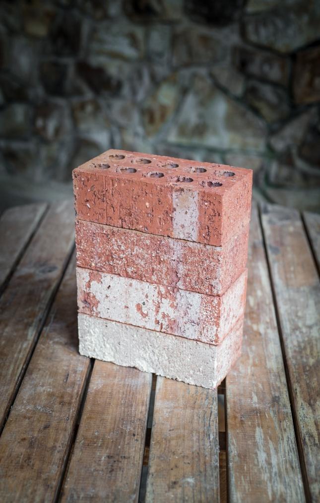 立体方形建筑砖头图片下载