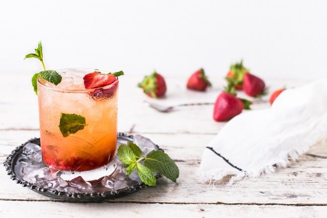 冰镇草莓薄荷果汁图片