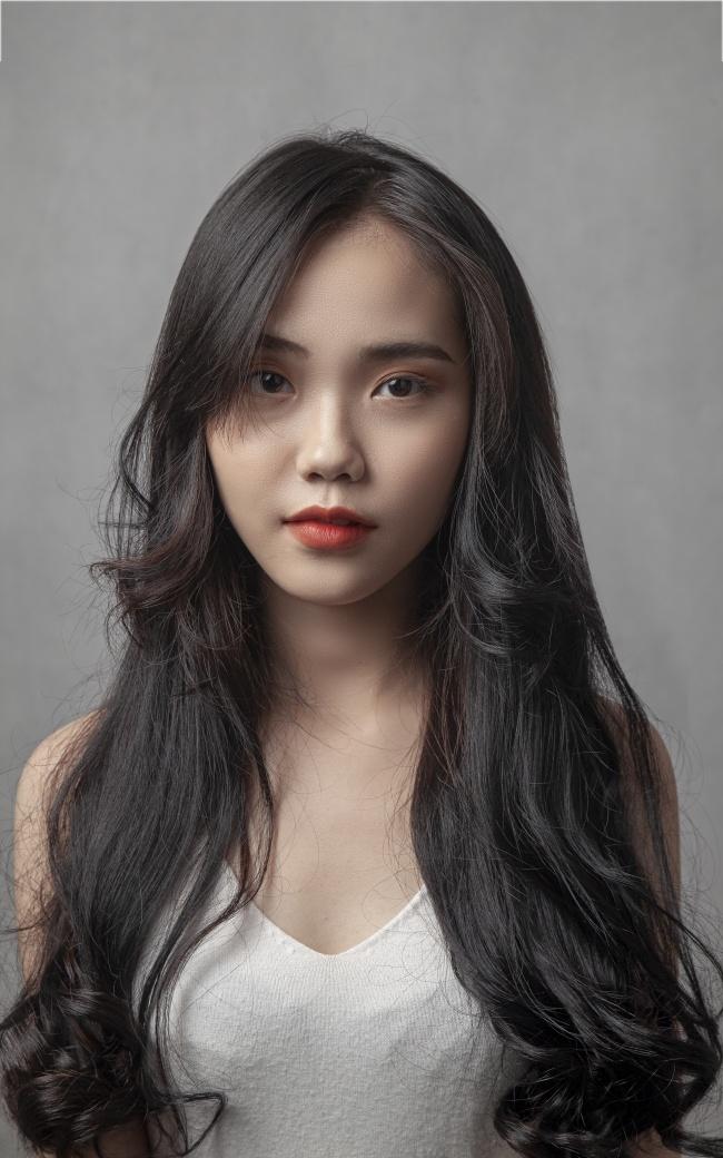 亚洲美女烫发发型图片素材