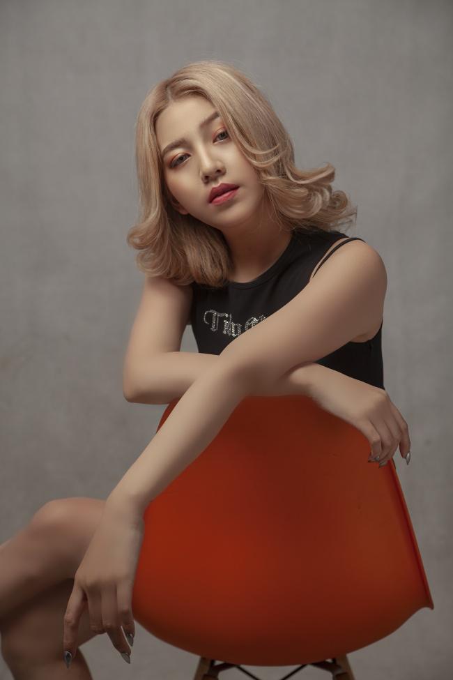 亚洲冷色系染发发型图片