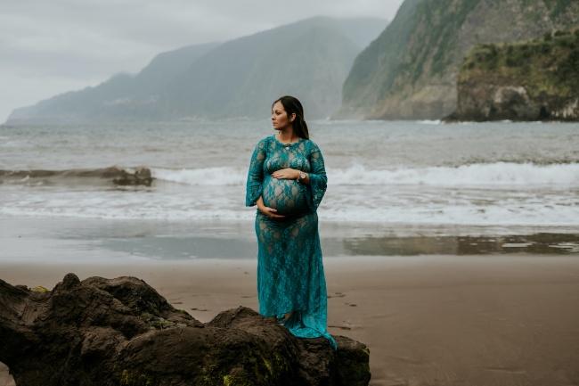 孕妇海边摄影图片