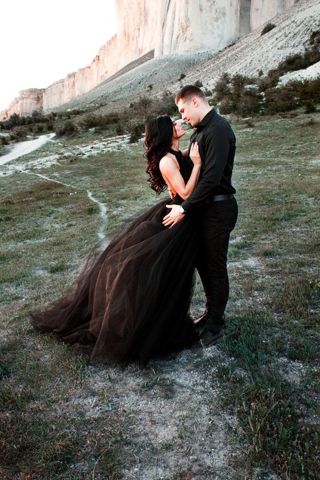 魅力黑色婚纱情侣摄影高清图片