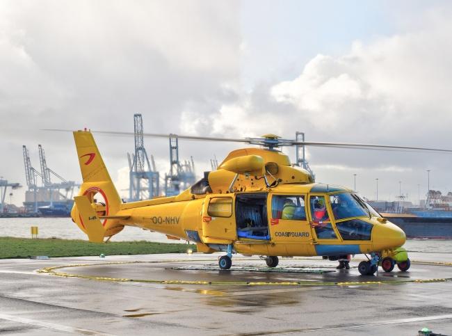 黄色救援直升飞机图片