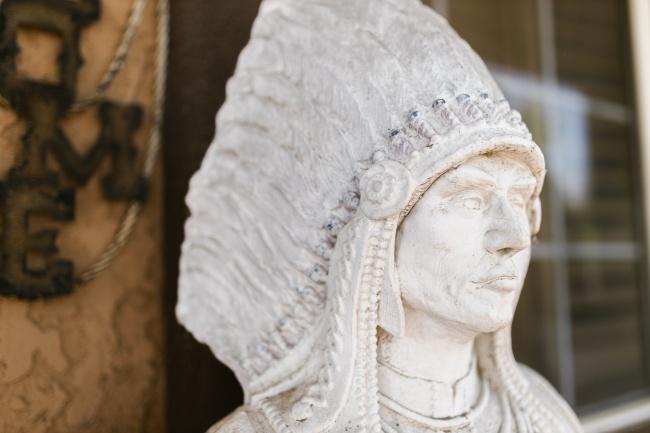 白色雕像头部特写图片大全