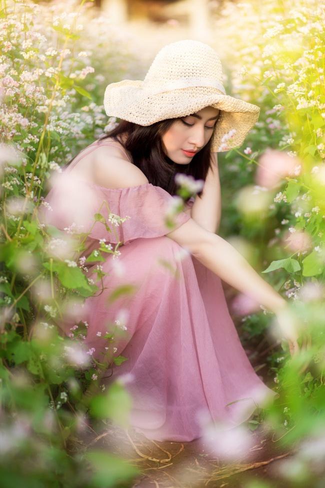 春季踏青美女摄影图片下载