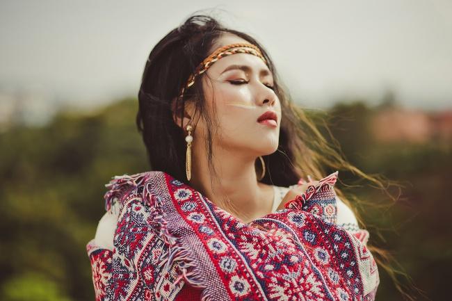 亚洲美女图片素材