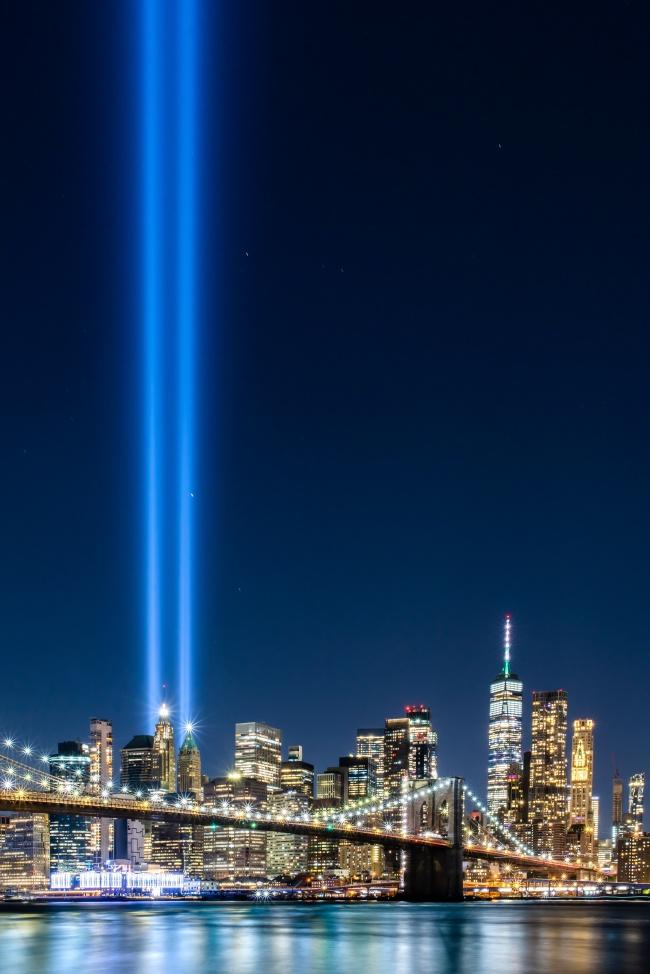 蓝色繁华都市夜景精美图片