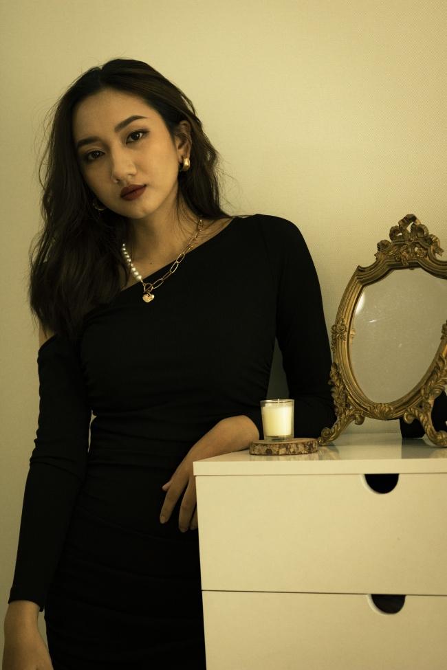 亚洲成熟性感美女高清图片